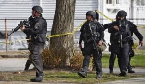 Окровавленного бостонского террориста после поимки увезли в больницу
