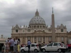 Cвященники в Ватикане скачивают порнофильмы с торрентов