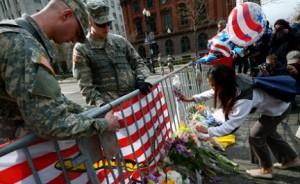 ФБР показало фото подозреваемых во взрывах в Бостоне