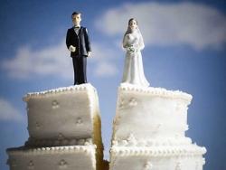 Госдуму захлестнула волна бракоразводных процессов. Общественность полагает, что разводы фиктивны