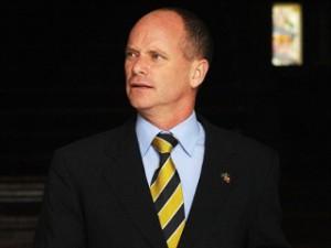 Премьер Квинсленда Кэмпбелл Ньюман оправдал использование части средств, сэкономленных при увольнении нескольких тысяч государственных служащих, на увеличение финансирования детского спорта в три раза.