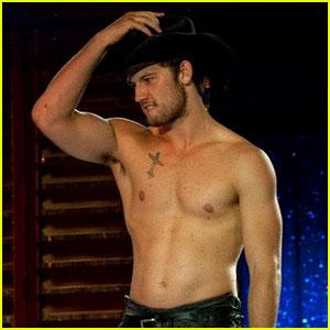 """Как Вам Алекс Петтифер в роли сексуального мачо в экранизации """"Пятьдесят оттенков серого""""?"""