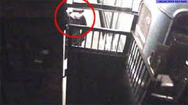 В метро поезд сбил мужчину, зашедшего в тоннель