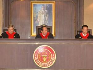 В среду конституционный суд проголосовал против ходатайства сенатора за попытки внесения изменений в Конституцию.