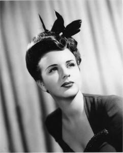 Актриса Голливуда  Дина Дурбин скончалась  возрасте 91 год.