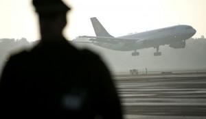 Авиа-дебошир Кабалов обвинен в попытке угона самолета