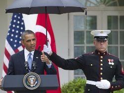 Боясь промокнуть под дождём, Обама отдал незаконный приказ