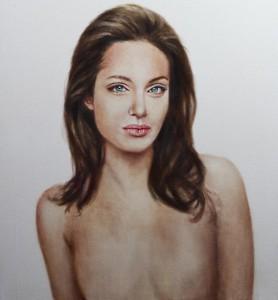Портрет Анджелины Джоли без груди можно купить в интернете