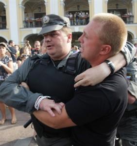 В Петербурге, за стрельбу в кафе, задержан «жемчужный прапорщик»