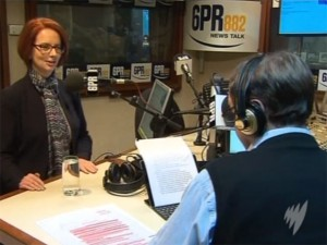 Австралийского ведущего уволили за предположение, что бой-френд министра - гей
