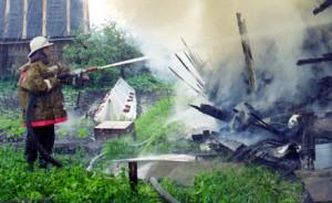 Два страшных пожара в Свердловской области унесли жизни шести человек