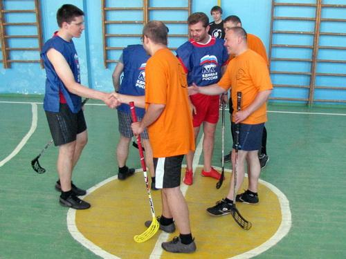 В Новгородской области прошел благотворительный vip-турнир по флорболу