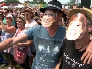 Англичанка родила на музыкальном фестивале во время выступления The Rolling Stones