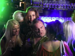 Депардье «снял» в клубе русских студенток