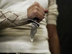 Девушка зарезала насильника, а его гениталии отправила жене