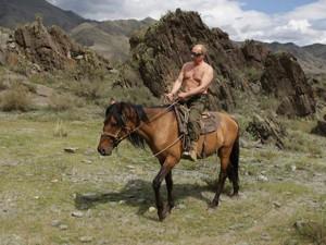 Кэмерон пошутил о предложении Путина ходить на саммите с голым торсом
