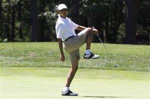Президент США Барак Обама проводит свой отпуск за игрой в гольф