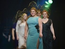 Пышные девушки покоряют подиум питерского конкурса красоты