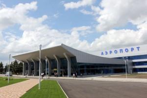 Боинг, который вылетел в Сургут с 150-ю пассажирами, был вынужден вернуться в Минводы по причине разгерметизации салона