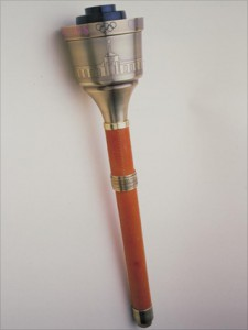 История и дизайн олимпийского факела с 1936 по 2012 год. - 84 лосанджелес