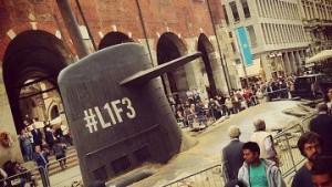 В центре Милана всплыла русская субмарина. Все оказалось рекламной акцией