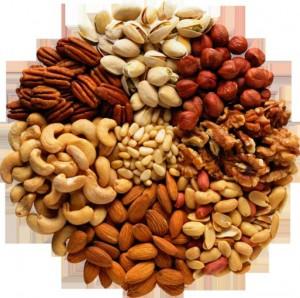 Риск смерти резко снижается при частом употреблении орехов