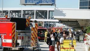 Стрельба в аэропорту Лос-Анджелеса стала причиной отмены 746 авиарейсов