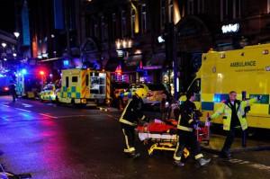 76 человек пострадали в результате обрушения потолка в театре Лондона