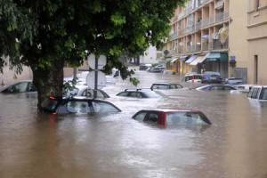 Число жертв в результате оползней и наводнений в Бразилии пострадали 38 человек