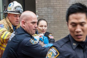 Мужчина столкнул 3-х летнего сына с небоскреба в Нью-Йорке