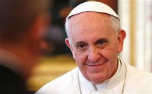 Папа Римский отпраздновал 77-й день рождения в компании с бездомными