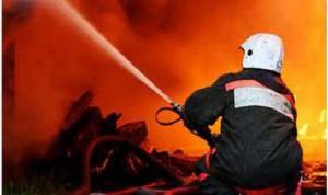 Тракторист спас мать с ребенком, которые остались в горящем доме