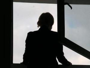 15-и летняя девочка выпрыгнула из окна в столице