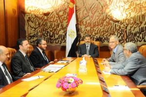 Мурси и 130 других человек должны предстать перед судом в Египте, чтобы выйти из тюрьмы