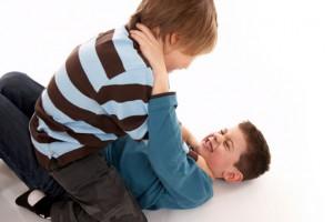 Причиной возникновения детской агрессии являются гены