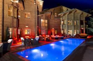 Шикарный испанский отель «El Lodge» полностью уничтожен в результате пожара