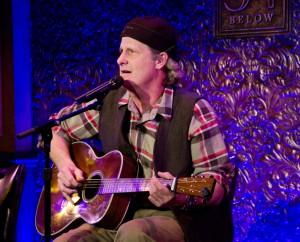 """Джефф Дэниелс из сериала """"Новости"""" больше не сидит у телефона - но у него всё ещё есть его гитара"""
