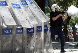 В Турции было уволено более 350 полицейских