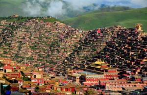 В одном из центров тибетского буддизма в Китае произошел пожар