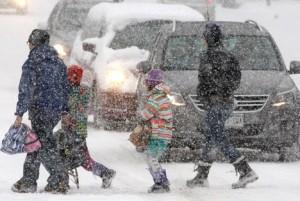 Снежная буря обрушилась на США