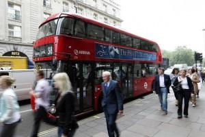 Водители автобусов больше не будет принимать наличные деньги для оплаты проезда в Лондоне