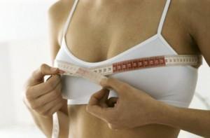 Ученые выяснили, что мужчинам не нравится большая женская грудь