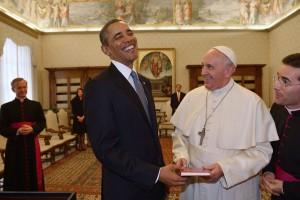 Президент Соединенных Штатов подарил Папе Римскому сына овощей, растущих в сады Белого дома