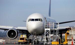 В аэропорту Гонолулу самолет Боинг 787 совершил вынужденную посадку
