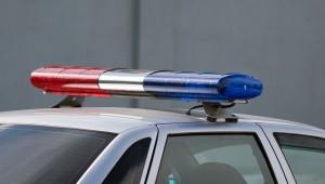 Иномарка протаранила семь автомобилей и въехала на крыльцо жилого дома