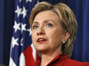 Кинувшая ботинок в Хиллари Клинтон американка может получить два года тюремного заключения