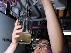 Учеными впервые запущен самолет, работающий на топливе из морской воды