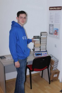 Калининградская Сеть отправляет собранные книги