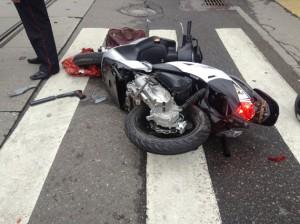 Москвич стал очевидцем убийства и сбил киллера на скутере