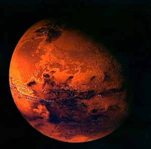 На Марсе обнаружены находки, на этот раз – могила с крестом